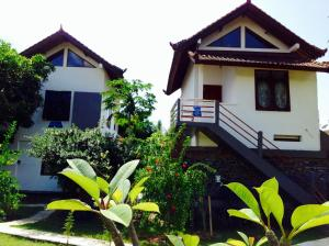 Photo of Lily Amed Beach Bungalows
