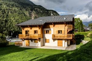 Photo of Apartment Chalet Des Granges