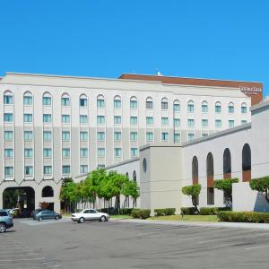 Photo of Double Tree By Hilton Newark Fremont