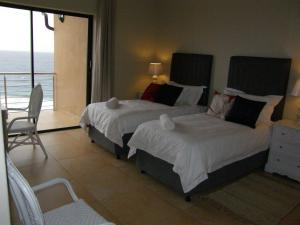 King or Twin Room with Balcony and Sea View