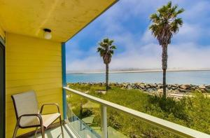 Photo of Amsi South Mission Beach Four Bedroom Condo (Amsi Sds.Ovp Ii)