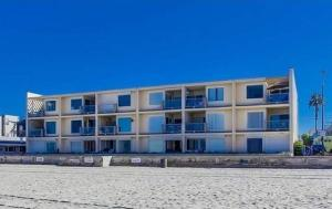 Photo of Amsi Mission Beach Two Bedroom Condo (Amsi Sds.Ofw 3755)