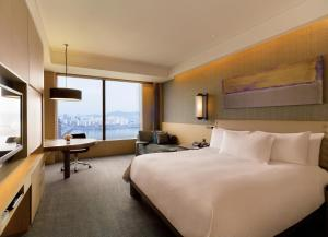 Premium King Room with River View