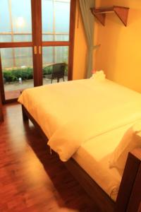 Photo of The Noi Guest House & Restaurant