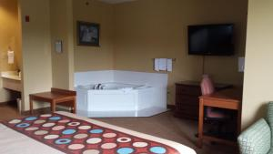King Room with Spa Bath - Smoking
