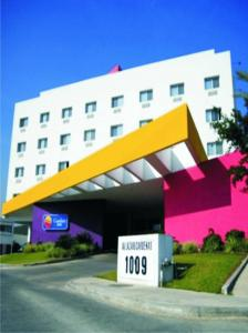 Photo of Comfort Inn Monterrey Valle