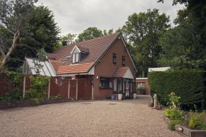 Woodlands bed and breakfast in Solihull, West Midlands, England