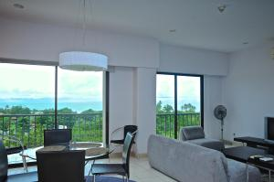 Photo of Lujoso Condominio 8vo Piso, Jaco Bay