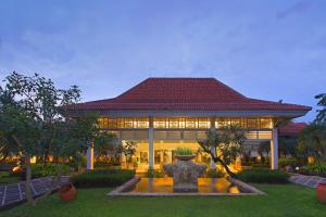 Photo of Sheraton Bandara Hotel