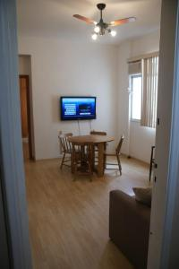 2-Bedroom Apartment - Gomes Carneiro 60/I23