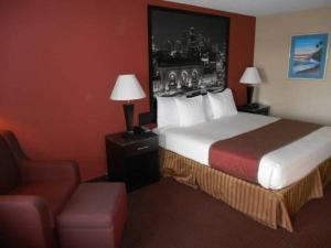 Photo of Guest House Inn & Suites St. Joseph