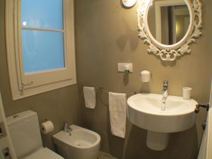 Two-Bedroom Apartment - Consell de Cent, 120