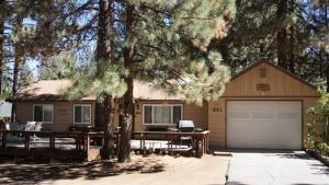 Photo of Crestwood Pines By Big Bear Cool Cabins
