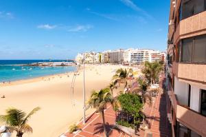 Photo of Las Canteras Seafront Apartment