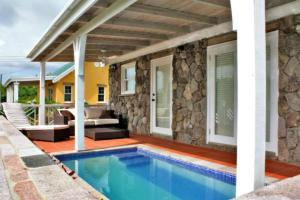 Photo of Modern Garden House   With Ac & Plunge Pool