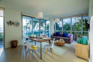 One-Bedroom Apartment with Beach and Ocean View