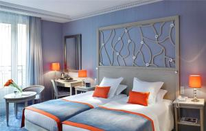 Hotel Rochester Champs Elysees, Paris