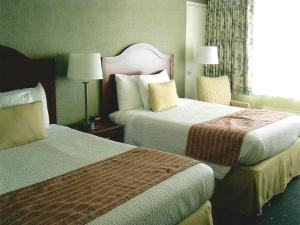Queen Room with Two Queen Beds - Sea View