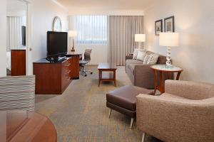 Los Angeles Marriott Burbank Airport, Hotel  Burbank - big - 3