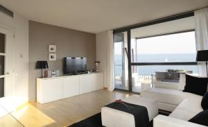 Superior Four-Bedroom Apartment (7-8 Adults) with sea view