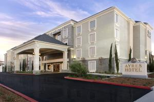 Photo of Ayres Hotel Fountain Valley