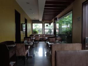 Rainbow Hotels and Service Apartments, Aparthotels  Chennai - big - 19