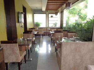Rainbow Hotels and Service Apartments, Aparthotels  Chennai - big - 21