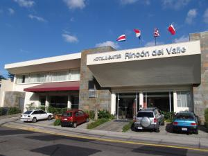 Photo of Hotel & Suites Rincon Del Valle