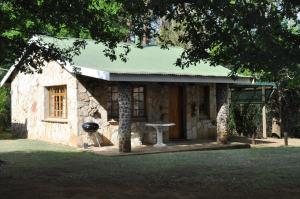Lake Naverone Holiday Cottages, Rezorty  Drakensberg Garden - big - 35