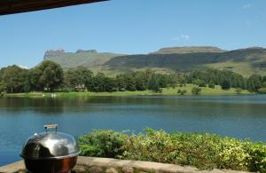 Lake Naverone Holiday Cottages, Rezorty  Drakensberg Garden - big - 23