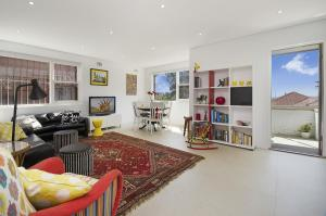 Clovelly Beach Street 21