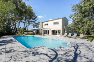 Photo of Squarebreak   Country House In Aix En Provence