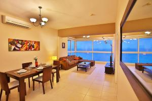 Photo of Luxury Apartment Cinta Costera