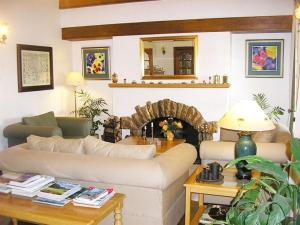 Cotswold House, Guest houses  Cape Town - big - 25