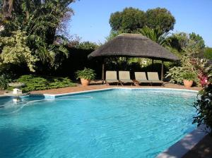 Cotswold House, Guest houses  Cape Town - big - 30