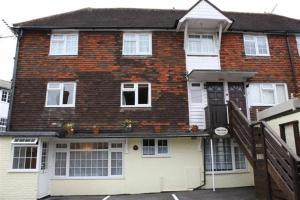 Robertsbridge Retreat At Cornhill Luxury Self Catering Apartments in Robertsbridge, East Sussex, England