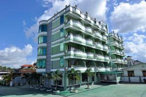 Photo of Royal Jasmine Hotel