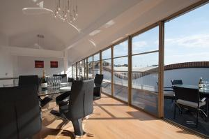 Vive Unique Penthouse Apartment with Roof Terrace London Bridge
