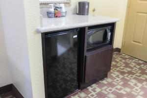 King Room with Whirlpool - Disability Access