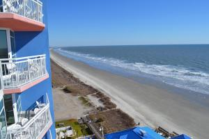 Deluxe Two-Bedroom Suite with Oceanfront View