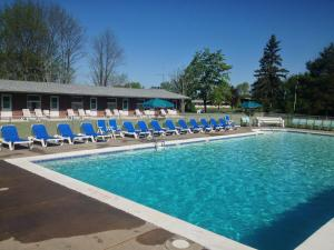 Double Room with Two Double Beds - Pool Side