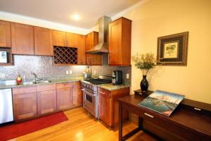 Comfortable Marina District - three bedroom apartment