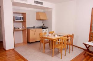 One-Bedroom Apartment (3 Adult)
