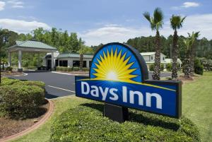 Photo of Days Inn Richmond Hill/Savannah
