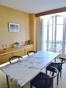 Two-Bedroom Apartment Marais District