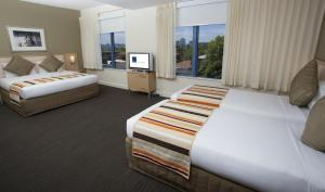 Superior Room with 1 Queen Bed and 2 Single Beds