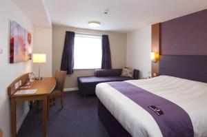 Premier Inn Hotel Stansted Airport - 23 of 25