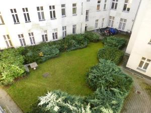 Two-Bedroom Apartment Manteuffelstrasse 2
