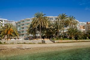 Photo of Hotel Marítimo Sport & Relax