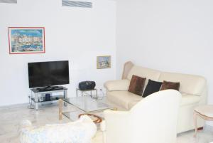 Photo of Home Rental L'escurial One Bedroom